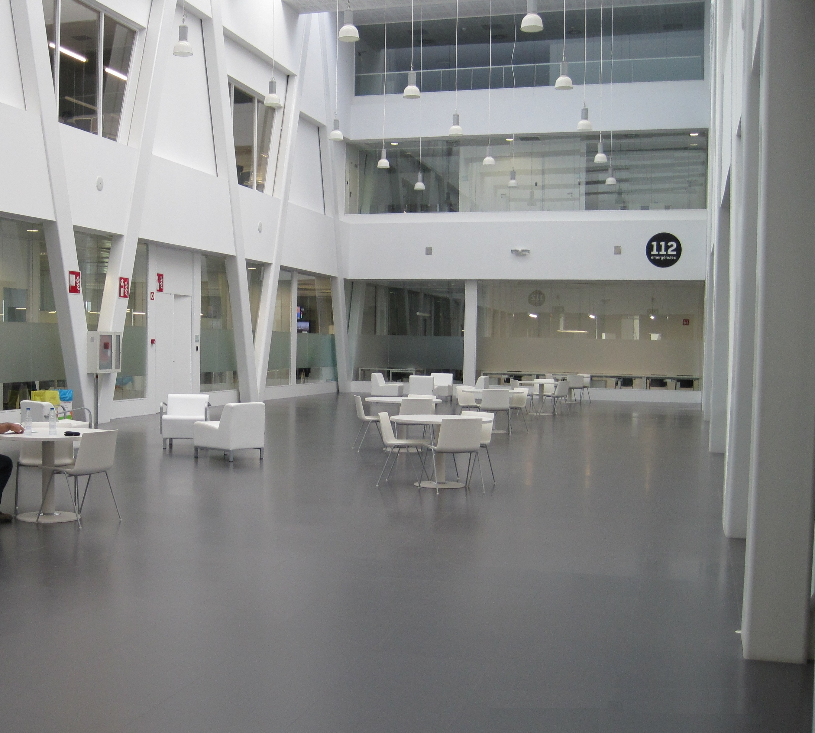 Trabajos de repasos de obra del centro 112 de reus const cnia empresa constructora - Constructora reus ...